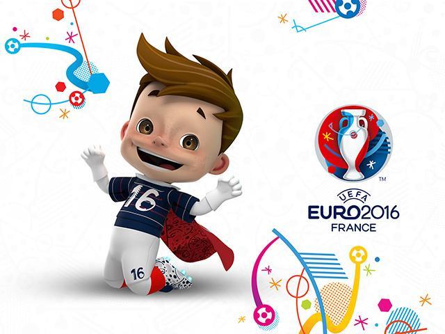 欧足联于欧洲中部时间18日晚揭晓2016年法国欧锦赛的吉祥物形象,并通过其官网面向全世界征集吉祥物的名字。当晚9点,法国队在马赛俱乐部的韦洛德罗姆球场迎战瑞典队,欧足联就在这场国际友谊赛开始前介绍了全新出炉的欧锦赛吉祥物形象。2016年6月10日-7月10日,第15届欧锦赛决赛阶段的51场比赛将在法国9座城市的10座体育场陆续展开。这将是该赛事扩充至24支球队后的首届比赛。拥有棕色短发和眼睛的这个男孩形象被设定为半是孩子、半是超级英雄的角色,他穿着蓝底、红白细条纹、号码为16的球衣、白短裤,花钉鞋,手套球