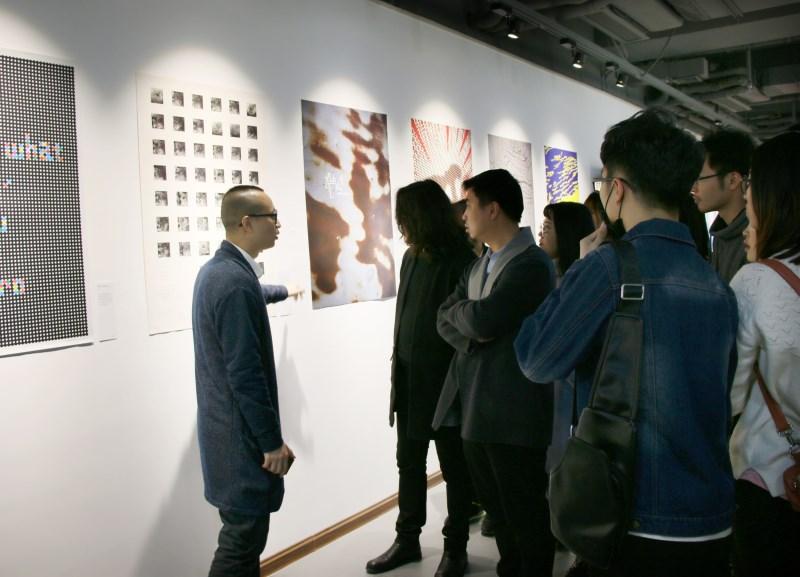 李佛君设计展现场分享设计灵感和过程.JPG
