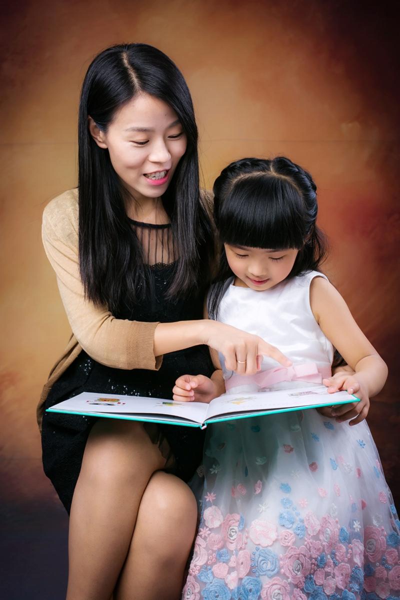 安东尼创始人刘韶华和女儿朵朵.jpg
