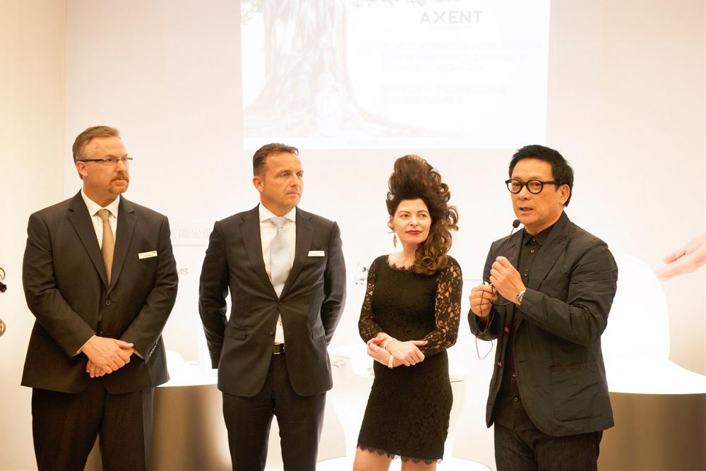 从左至右:恩仕集团美国办销售总监Keith Dagarin先生、恩仕欧洲总部CEO Daniel Grob先生、恩仕集团品牌大使 Nicole Roesler女士、IFI 2015-2017候任主席梁志天先生.png