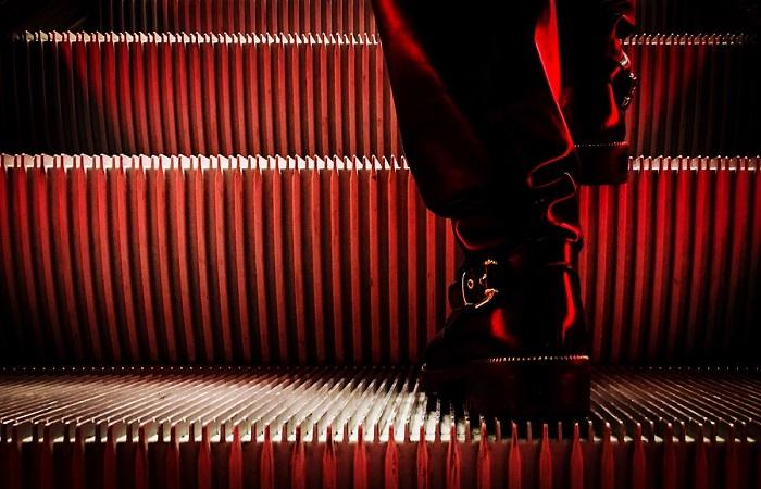 红与黑 (2).jpg