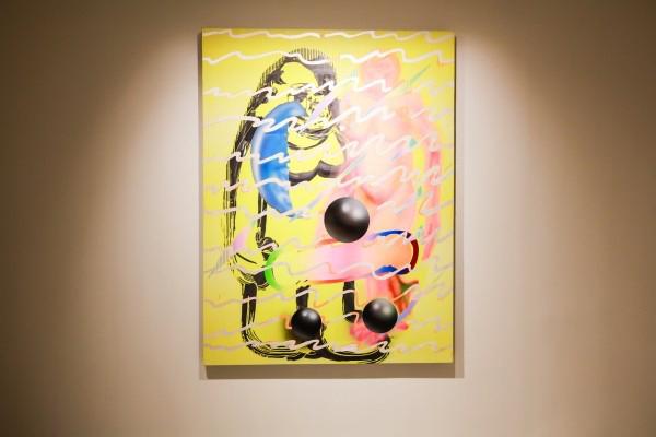 艺术家叶凌瀚携带其作品《第一个从树上下来的直立猿人Lucy-025》.JPG