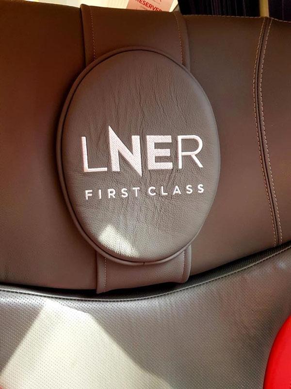 伦敦东北部铁路运营公司LNER的新VI12.jpg
