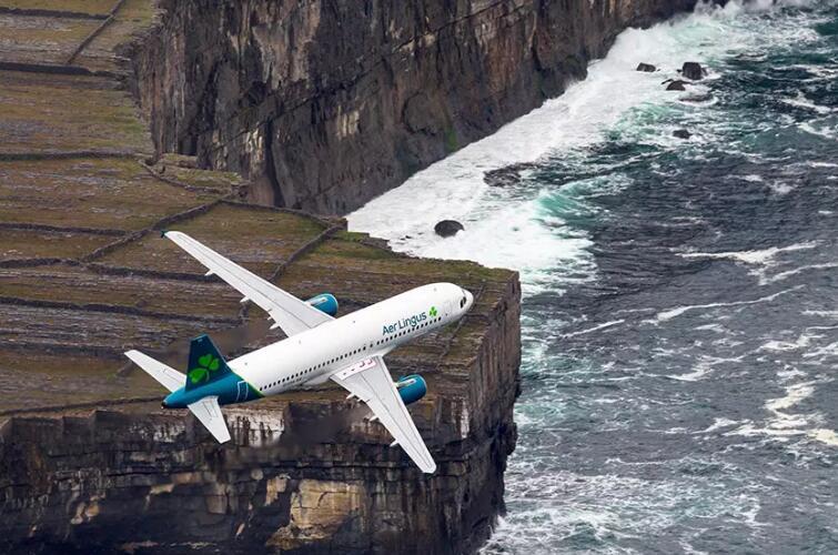 爱尔兰航空启用新logo14.jpg