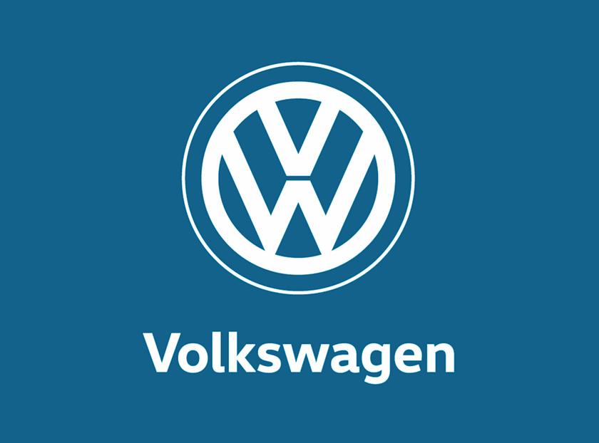 大众汽车2019版单色扁平化LOGO 目前,简化版LOGO将主要应用于数字媒体环境中,而原有的3D版本继续保留使用。2016年,大众发布2025战略(Transform 2025+),宣布正式进入大众的新能源发展路线,此次品牌更新也是其战略中的一小部分。